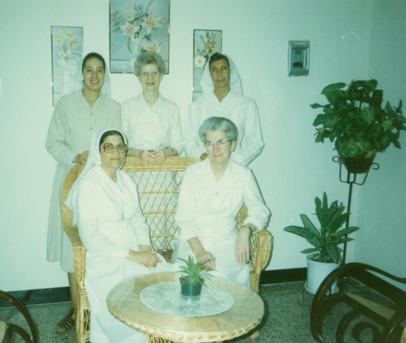 1_Trois premières missionnaires 1989